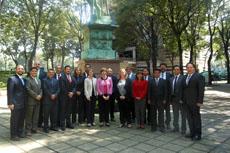 Esquina Derecha. Dr. Carlos Solorio, junto a integrantes de ABET y docentes de TEC de Monterrey CDMX