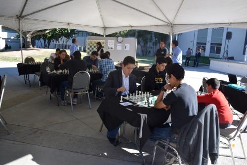 Se enfrentan en Torneo de Ajedrez