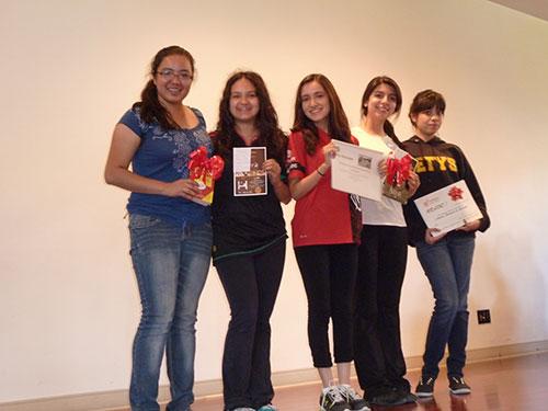 Reciben premio Carlos Celorio