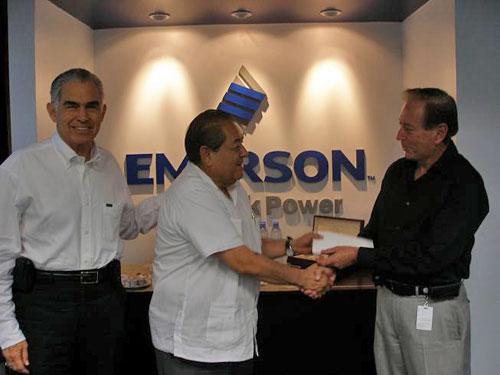 Entrega Emerson Donativo a CETYS Universidad