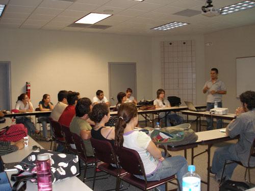 Imparte Conferencia para Estudiantes de LAM