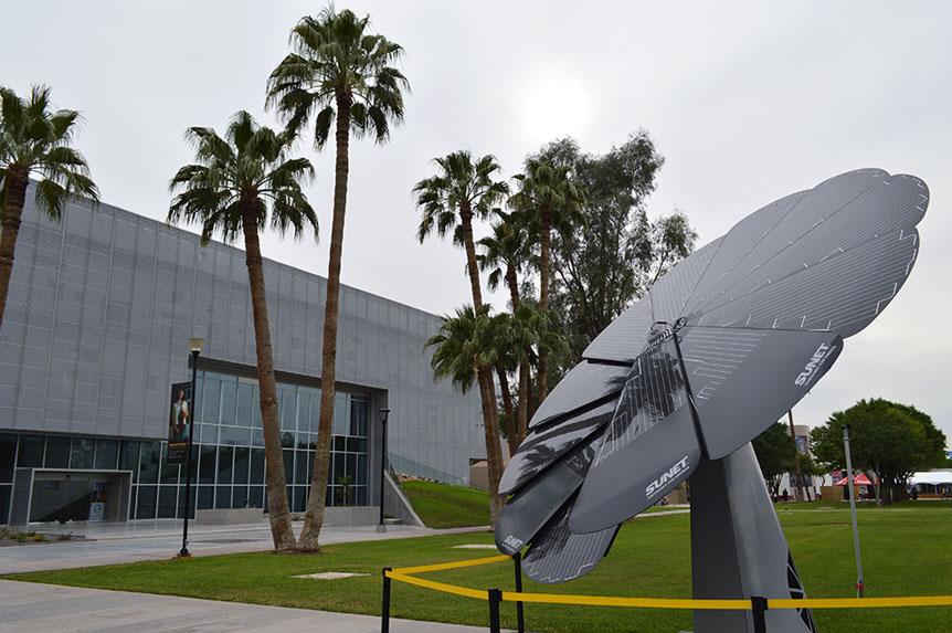 Presentan en Posgrado innovador panel solar
