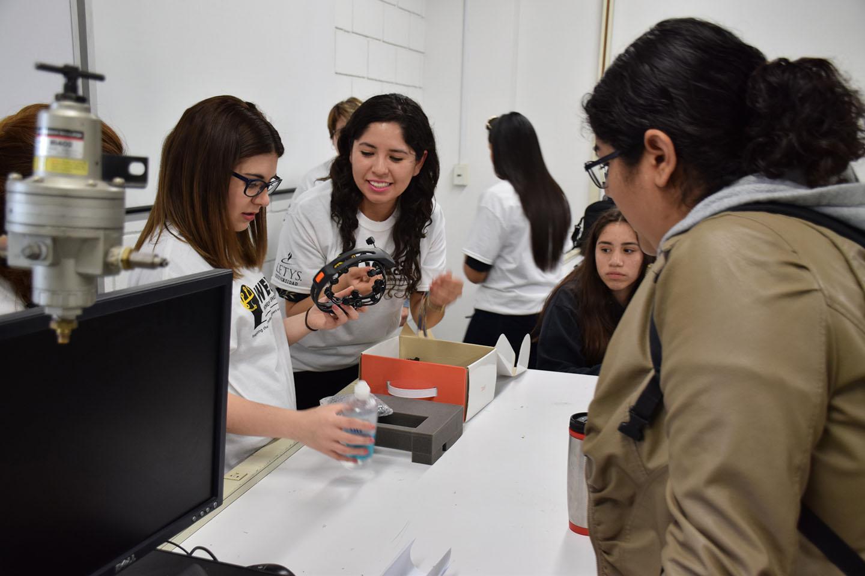 Trabajan por erradicar la brecha de género en Ingeniería