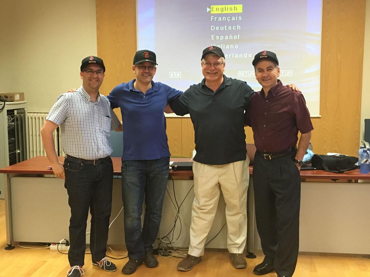 Gracias a los maestros Dr. Fernando Crecente Romero, Dr. Luis F. Rivera, Dr. Alex DeNoble, y Dr. Scott Venezia, fue que los universitarios lograron abordar los diversos escenarios para el emprendimiento.