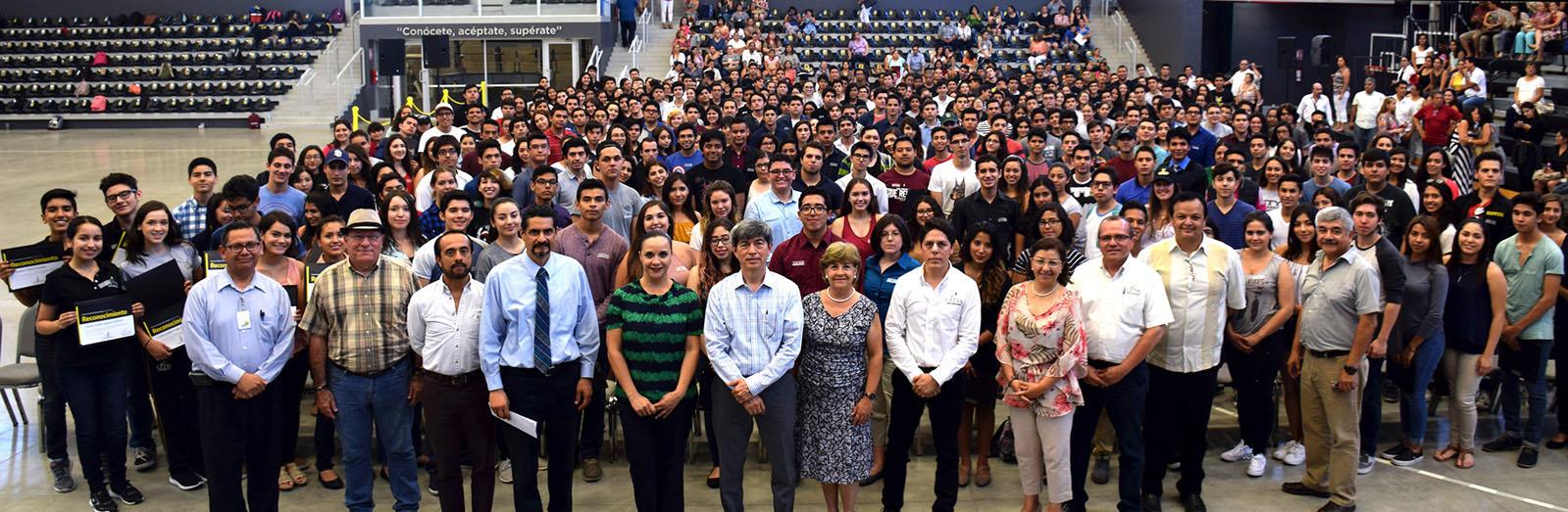 Para CETYS Universidad el compromiso con la educación es constante.