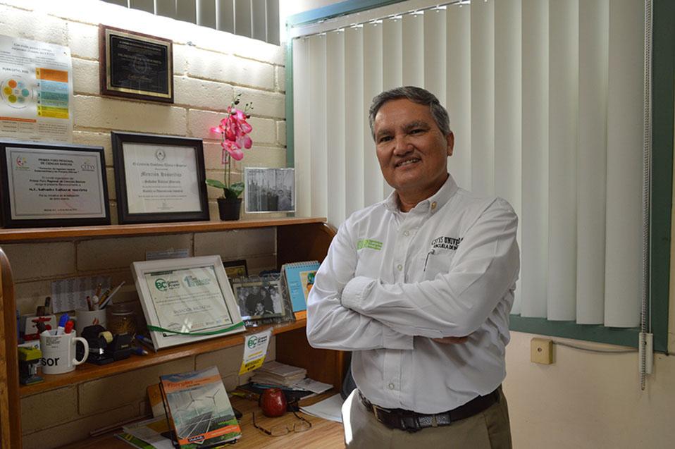 Salvador Baltazar, ingeniero apasionado por la docencia.