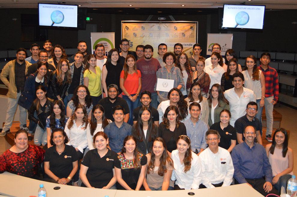 Jóvenes Fortes líderes con visión social: Lisa La Valle