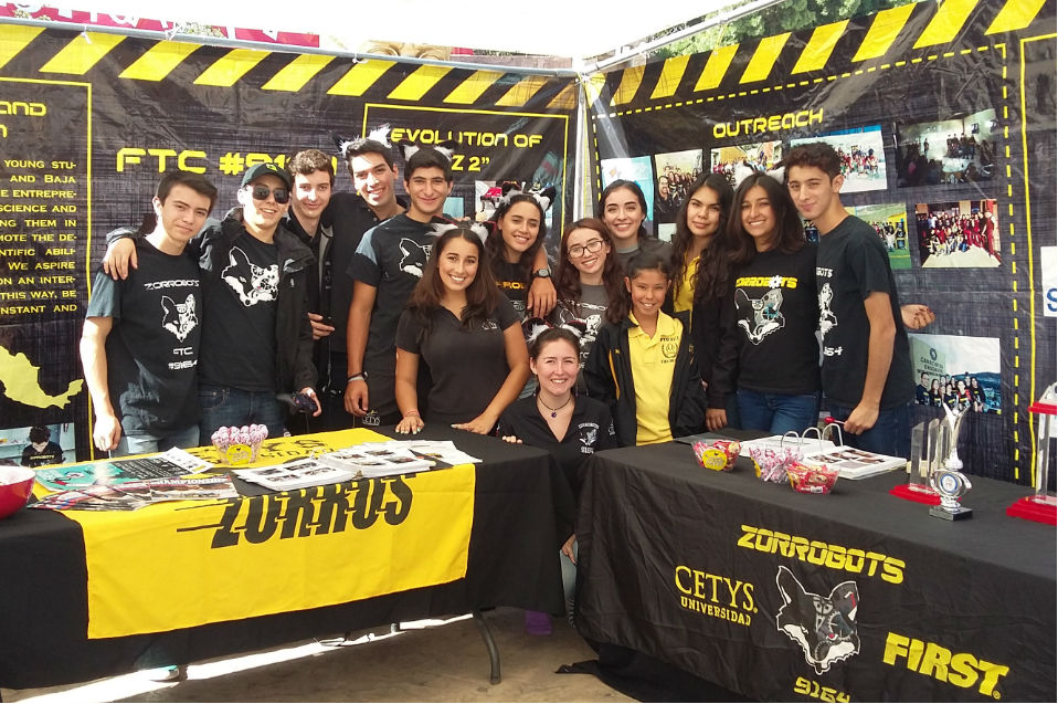 Participan en Expo Tecnología y Robótica