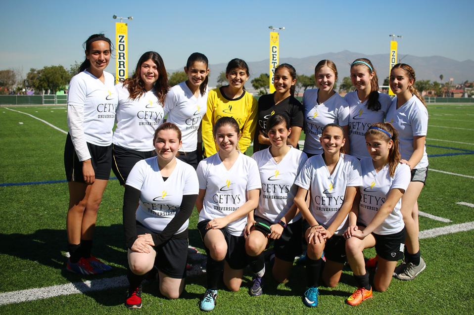 Zorros Femenil golea en Torneo Conadems