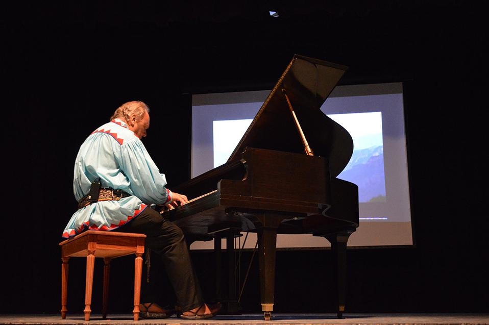 Promueve el pianista Romayne Wheeler altruismo en CETYS