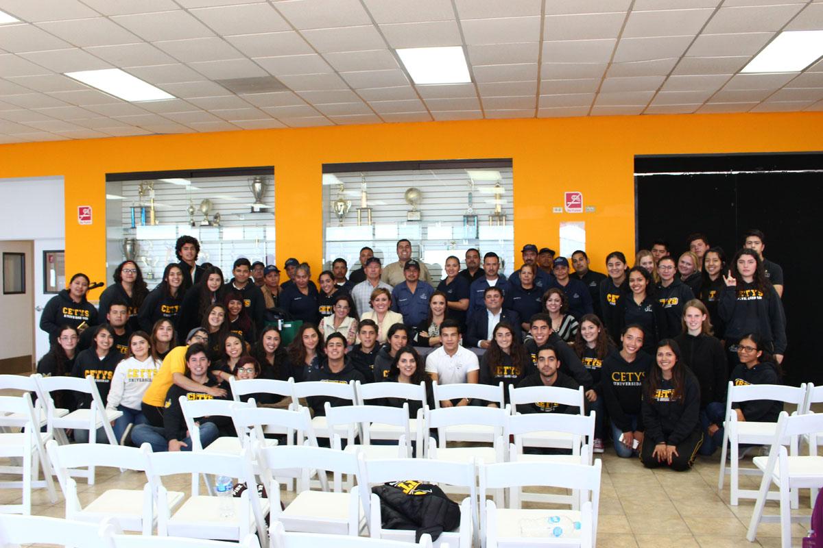 Entregaron recursos alumnos de 6to de preparatoria CETYS