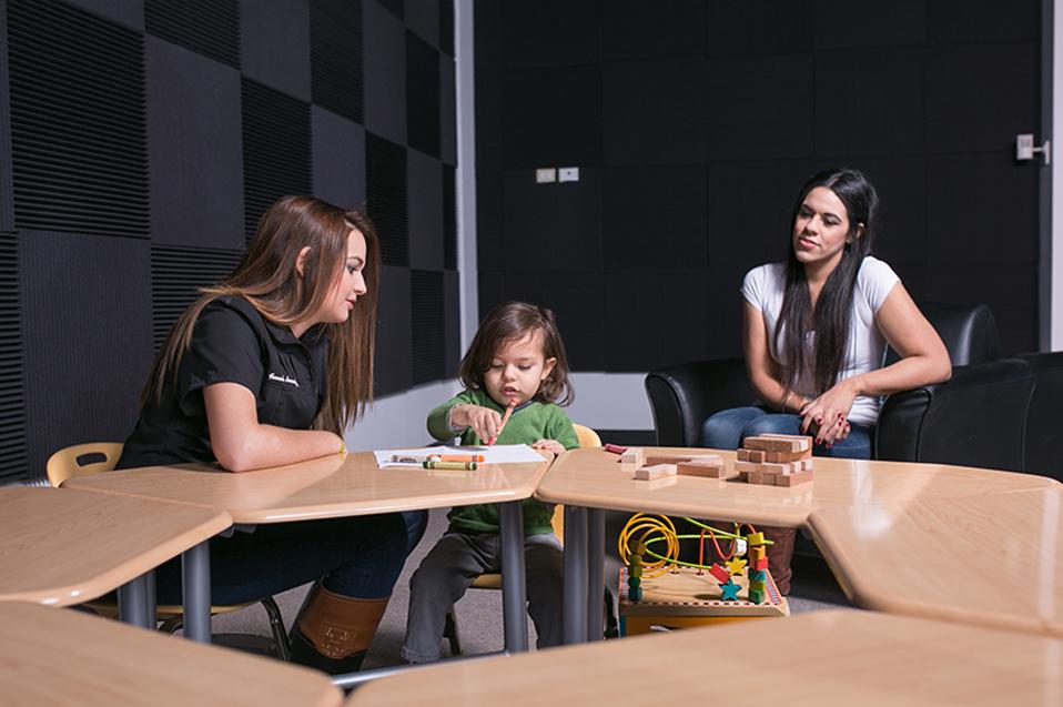 Autismo es detectable durante primer año de vida