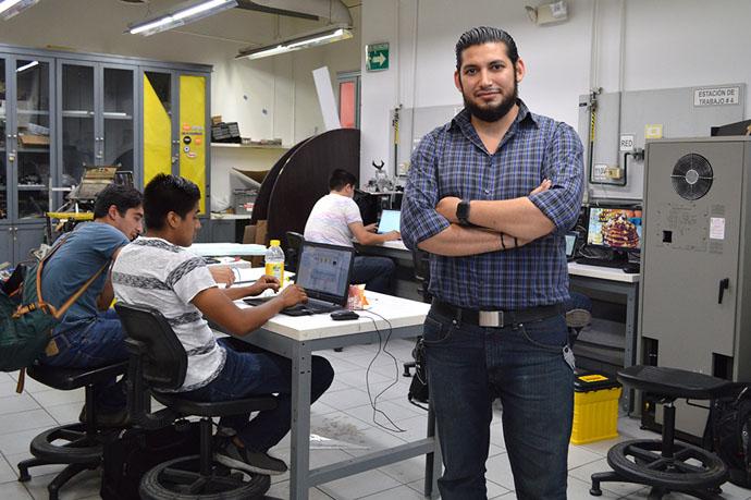 Luis Carlos Básaca impulsa la robótica en CETYS