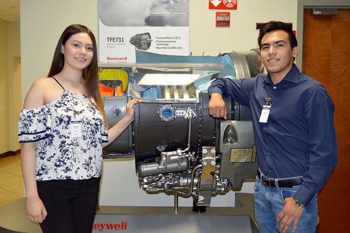 Ganan Beca Honeywell para estudiar Ingeniería en CETYS