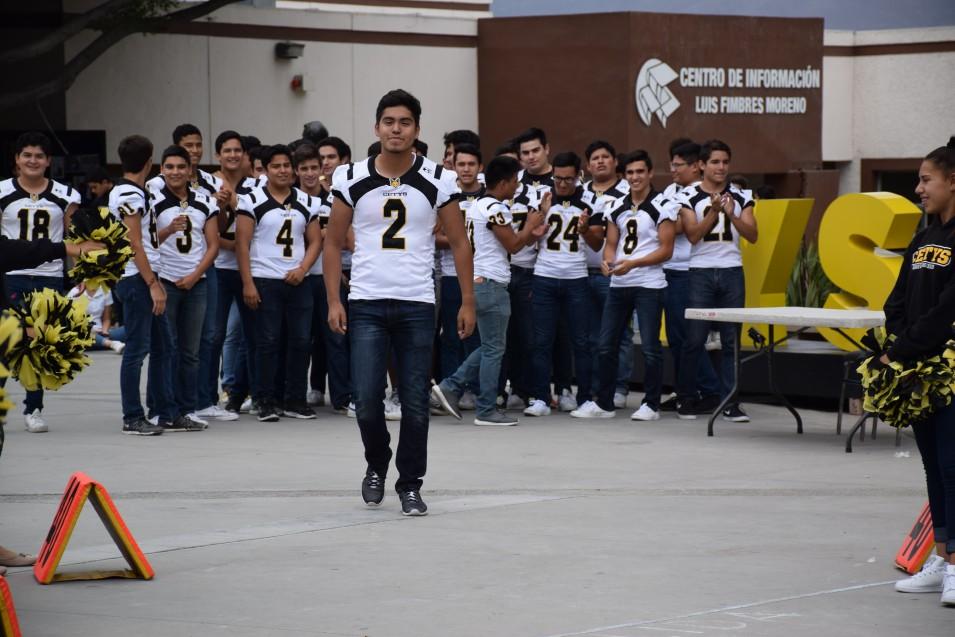 Zorros Tijuana (Varsity) luce animado para el primer partido de la temporada.
