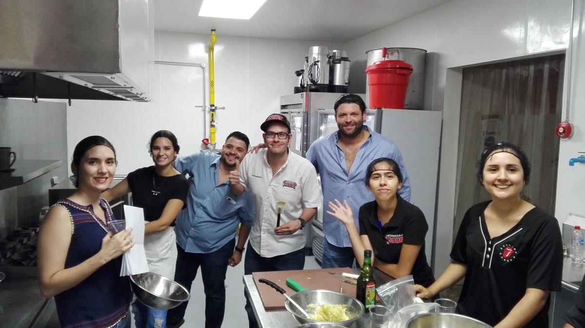 Realizan práctica de Restaurantes y Bares