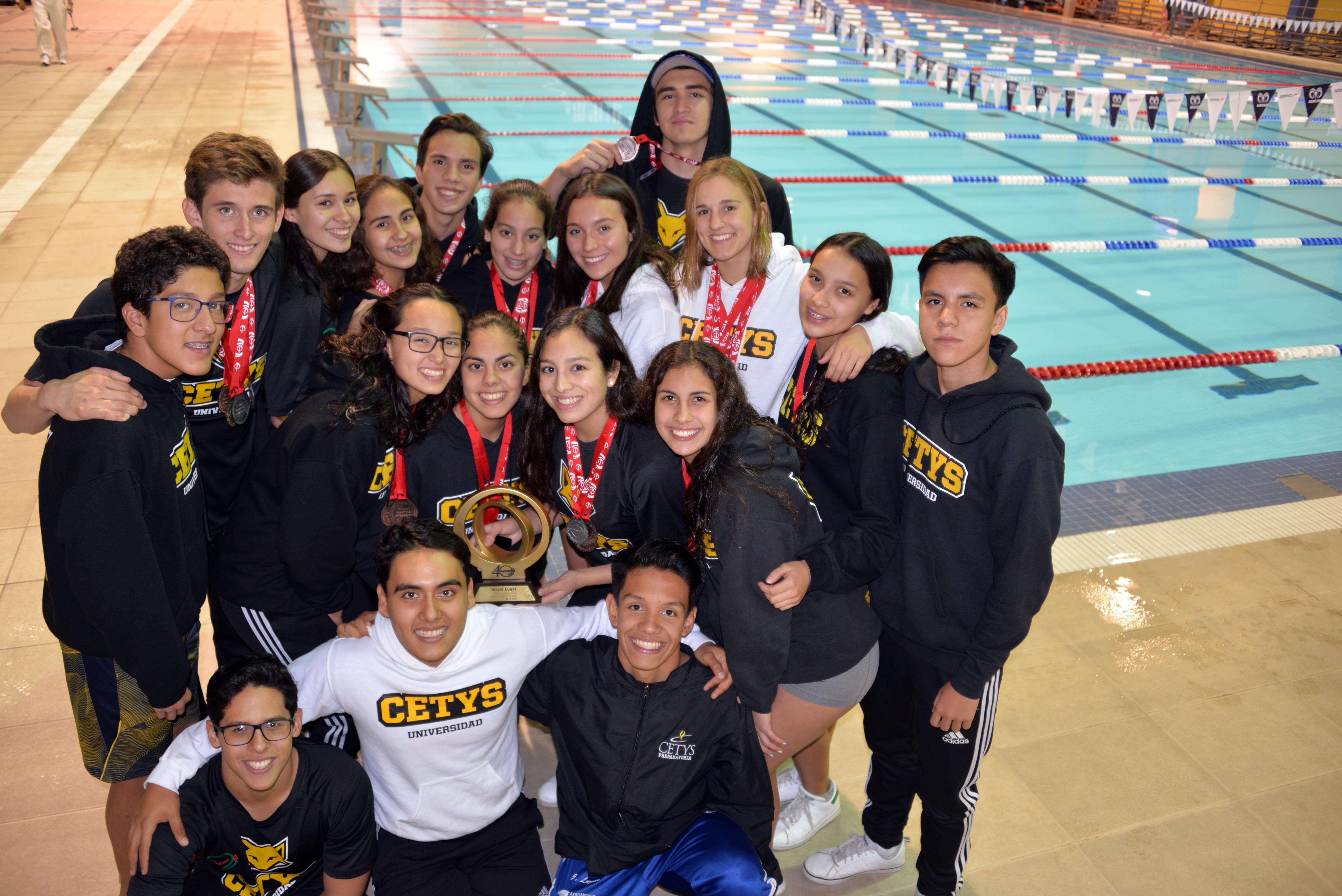 24 medallas en Campeonato Nacional de Natación