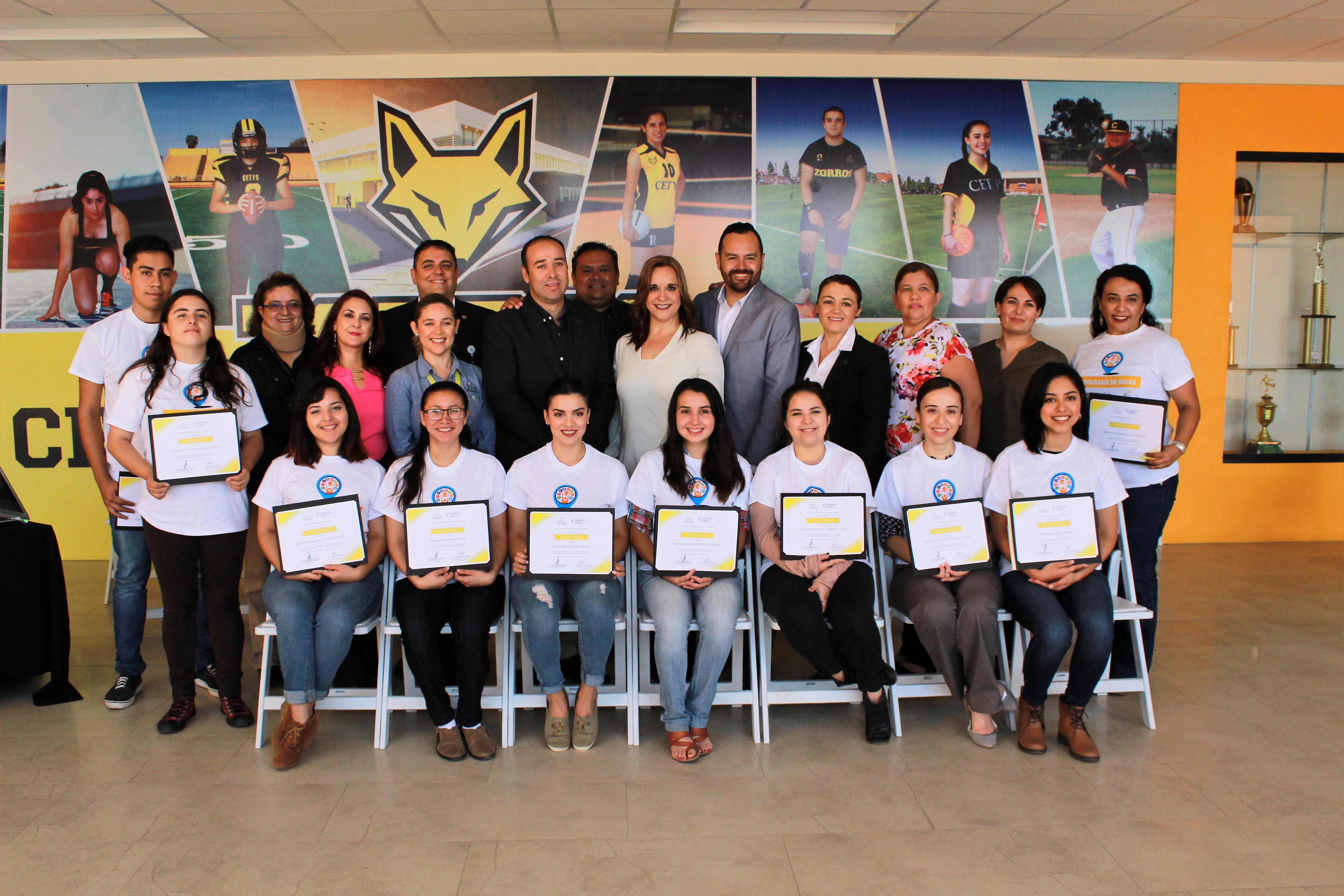Fundación IEnova y CETYS Universidad entregan becas a estudiantes de excelencia