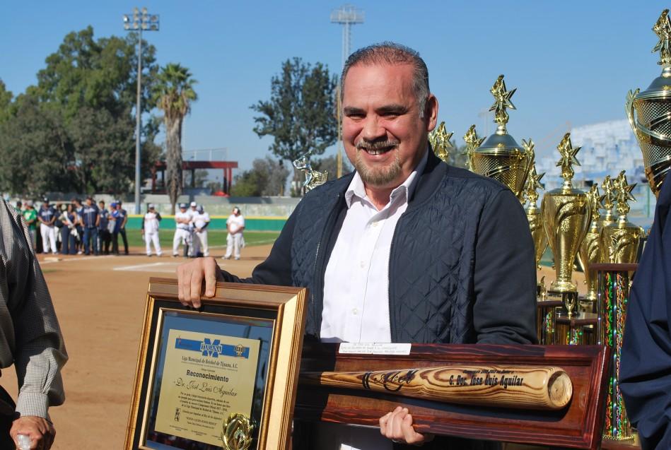 Rindieron homenaje al Dr. José Luis Aguilar.