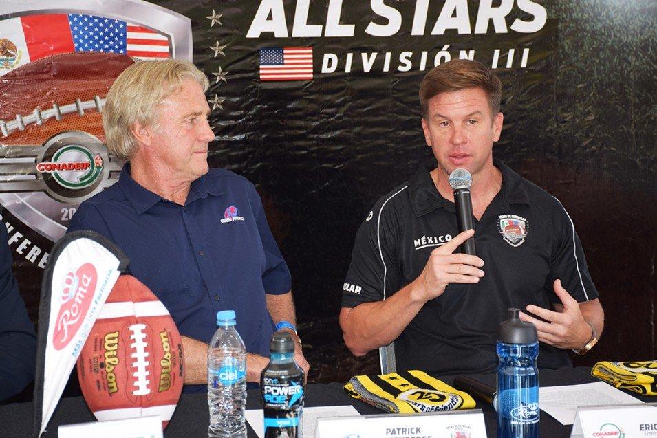 Patrick Steenberge (Global Football) y Eric Fisher (UDLAP).