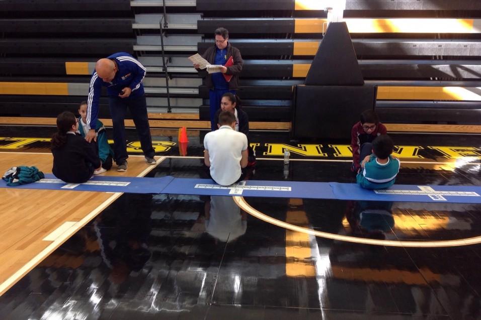 Estudiantes de Secundaria se sometieron a muchas pruebas físicas.