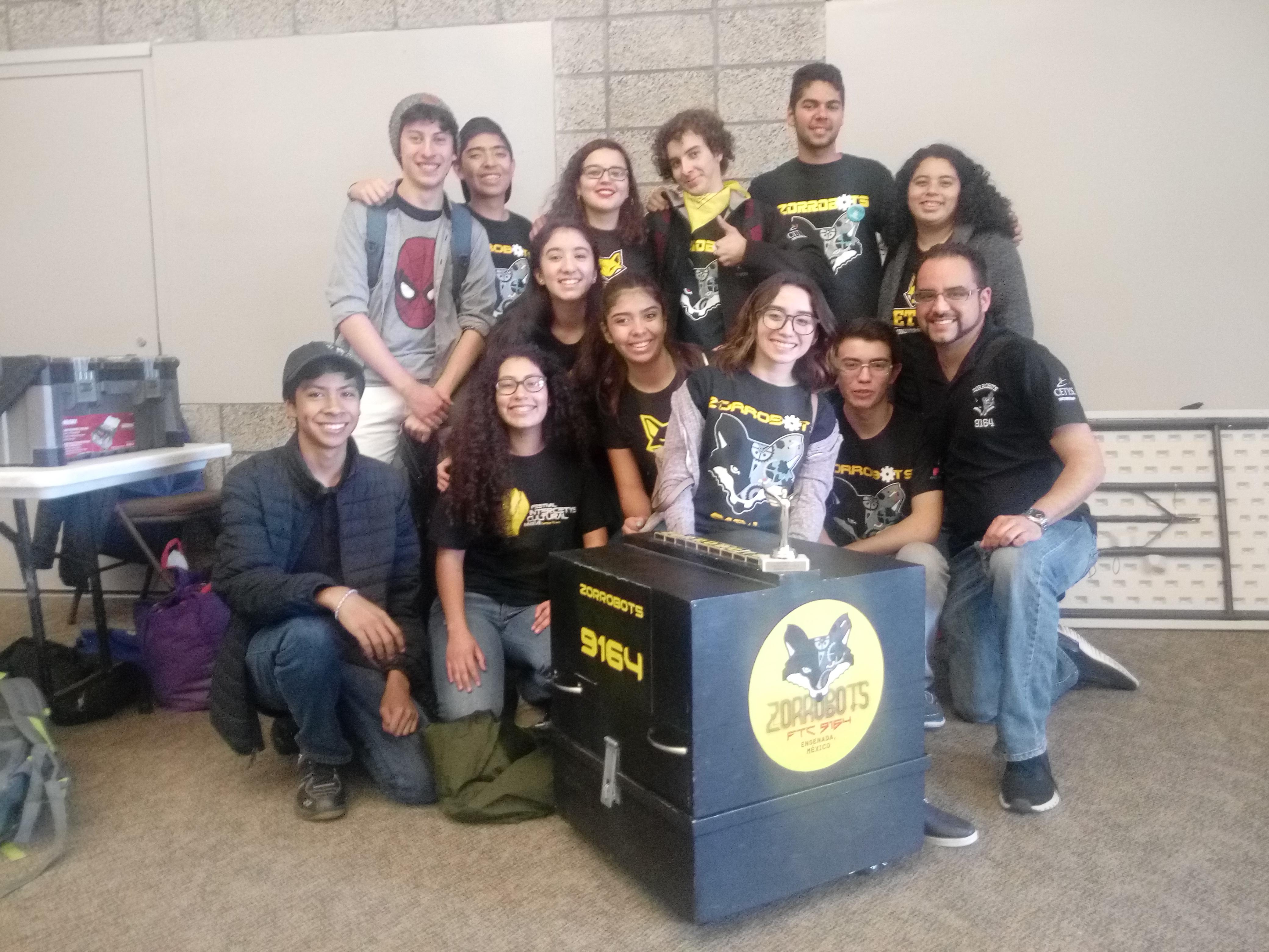 Sobresalen alumnos en torneo internacional de robótica