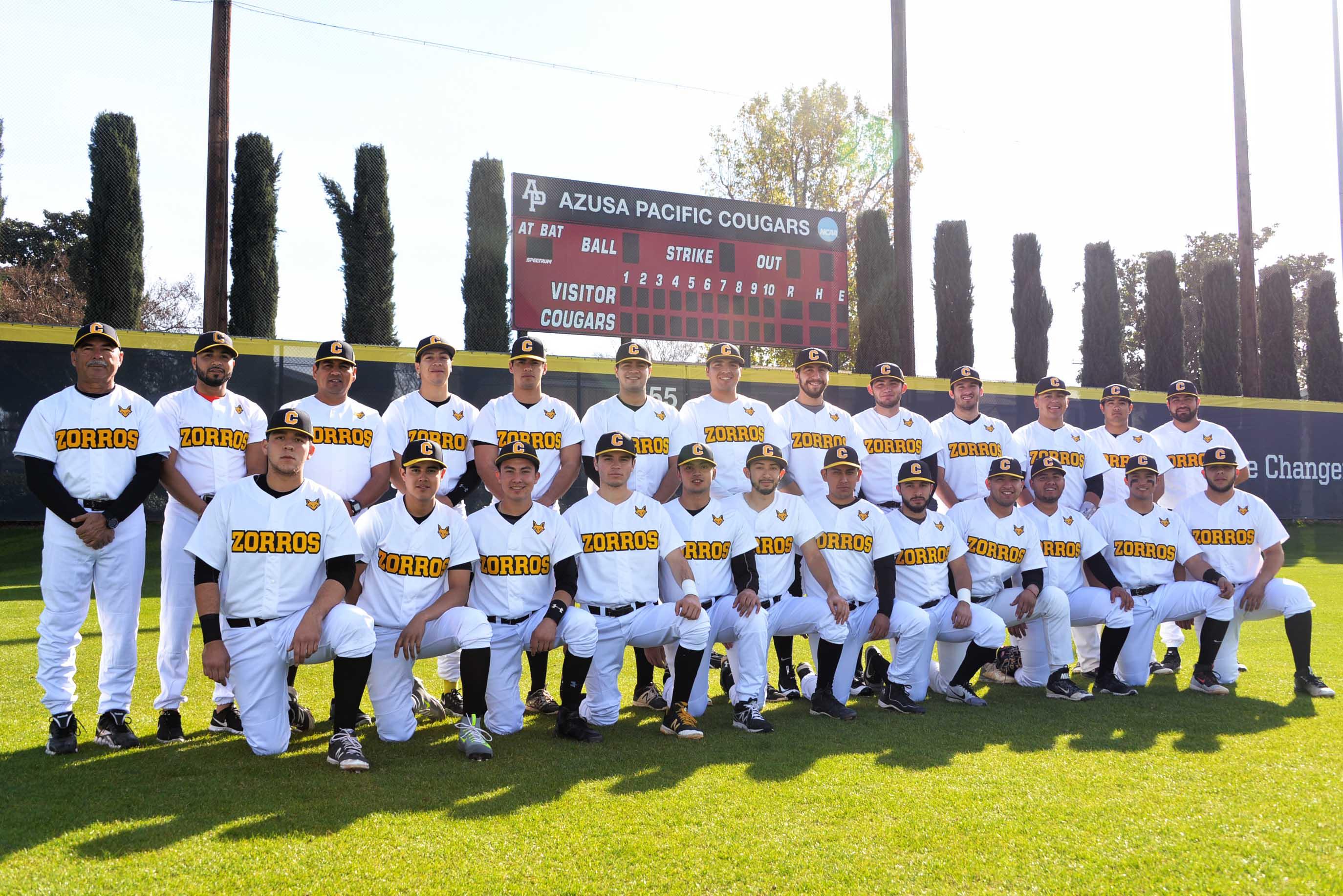 Zorros enfrentaron a equipo de NCAA en Béisbol