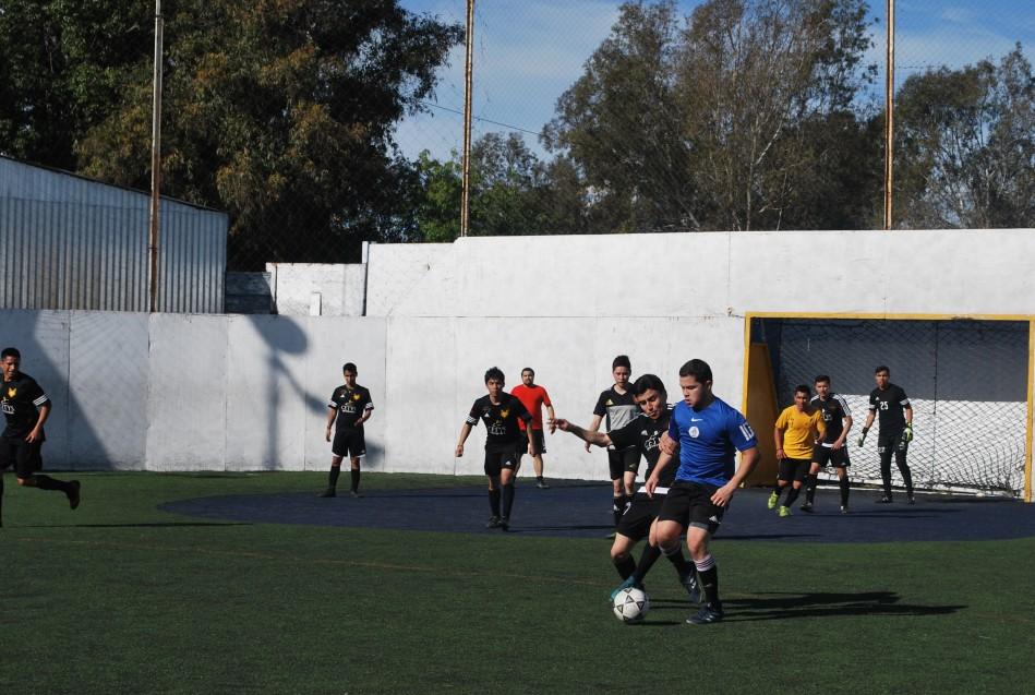 CETYS Alumni organizó juego de futbol rápido