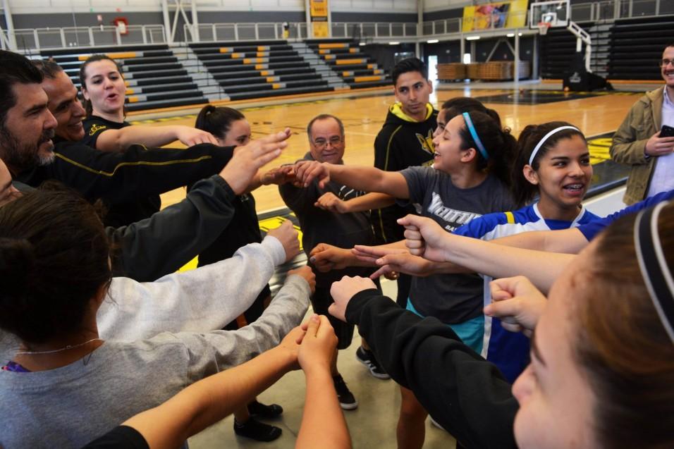 Equipos femeniles esperan comienzo del Campeonato de los Ocho Grandes
