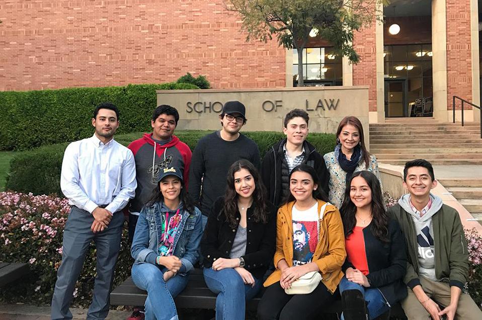 Aprenden sobre Derecho Internacional en Los Ángeles