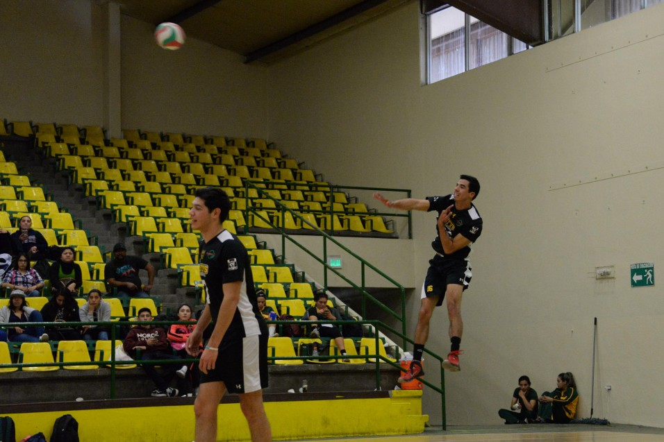 Voleibolistas van por la cima del podio en Toluca.