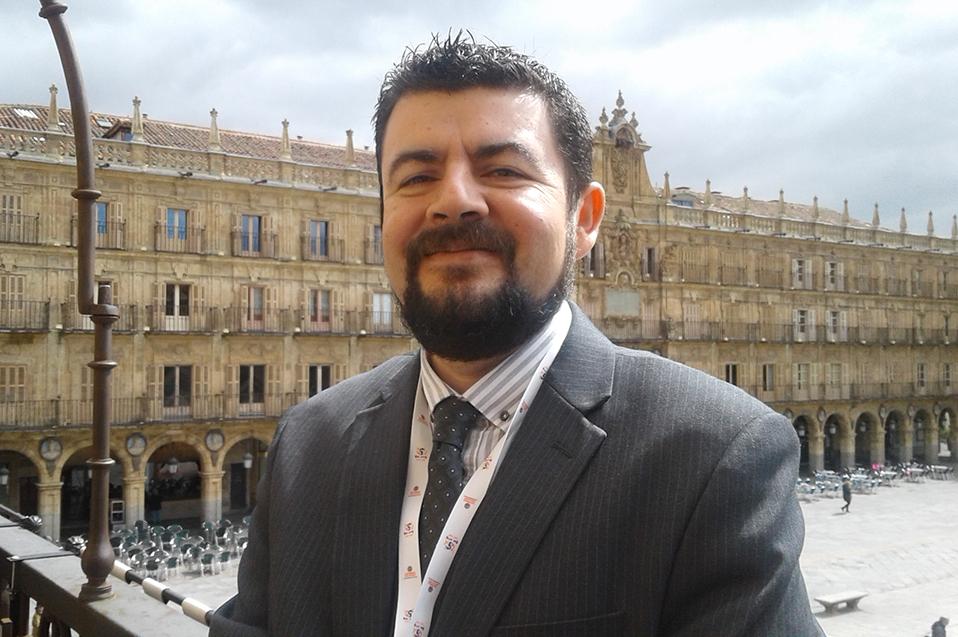 Presenta en España ponencia sobre significados de Justicia