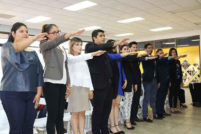Nueva mesa directiva APEC toma protesta