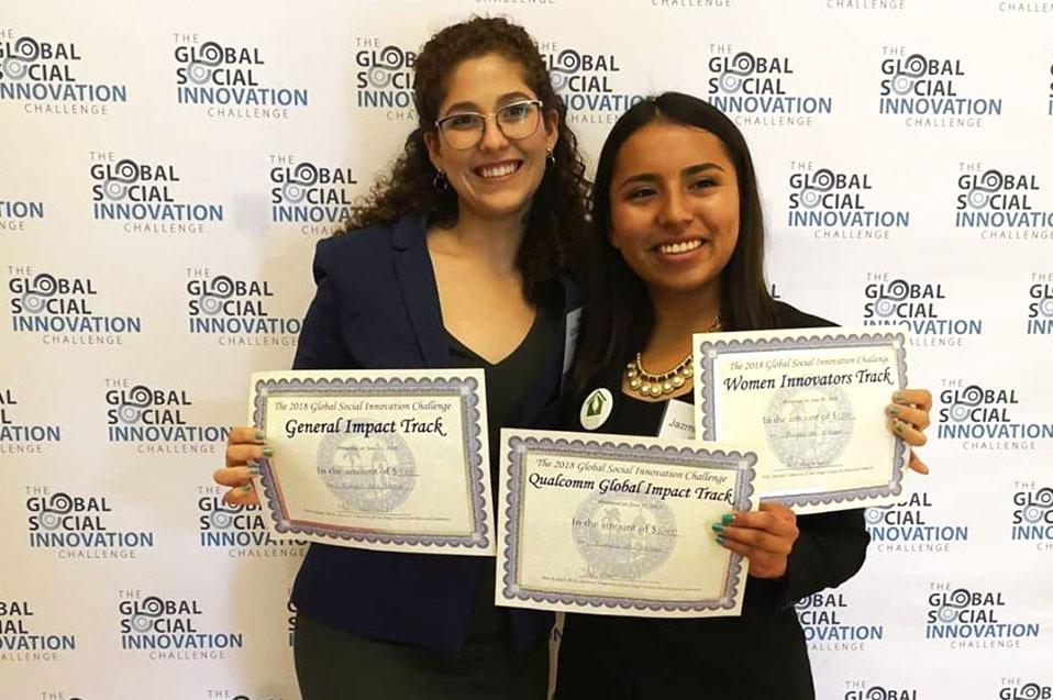 Estudiantes mexicanas triunfan en competencia internacional de innovación social