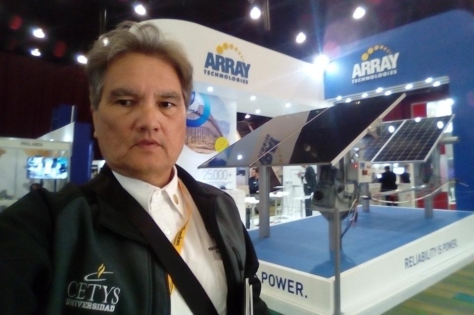 Académico presente en Congreso Internacional de Energías Renovables
