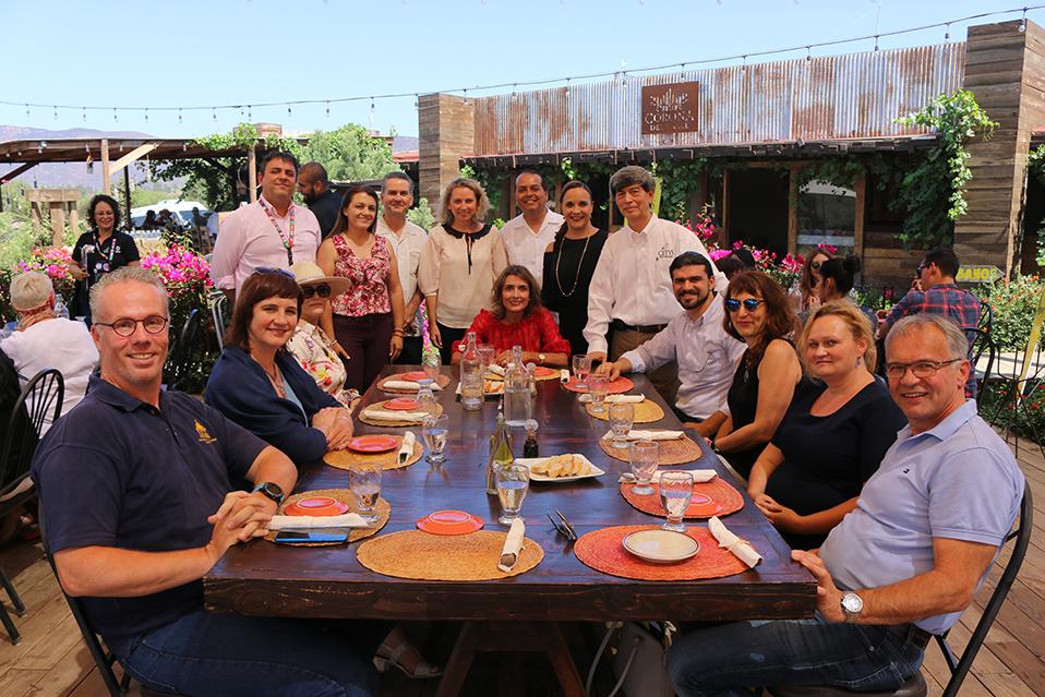 Alumnos y mestros del ISP visitan el Valle de Guadalupe