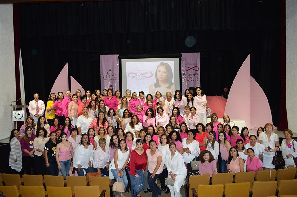 """""""Tocarse salva vidas"""", concientiza Mayra Rojas sobre cáncer de mama"""