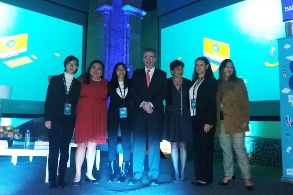 """Prepa CETYS en el top 3 nacional del """"Premio contacto Banxico"""""""