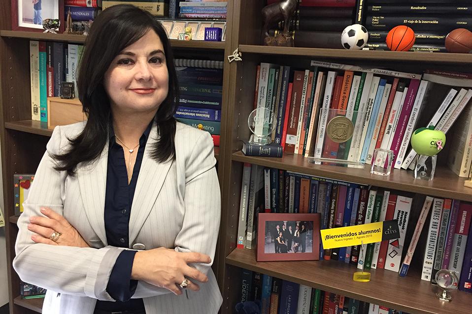 Participación en la investigación, labor de los docentes de CETYS:VictoriaGonzález