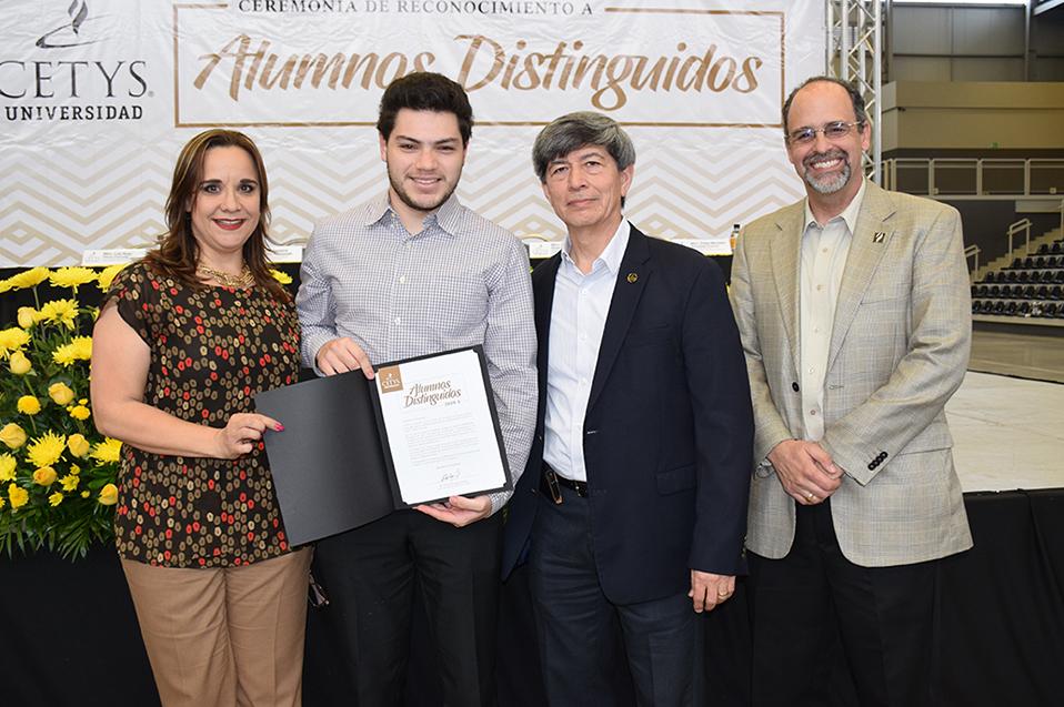 Reconocen al talento estudiantil de CETYS Tijuana