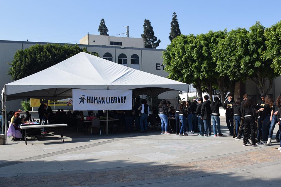 """Los mejores momentos de la """"Human Library"""" en CETYS Tijuana"""