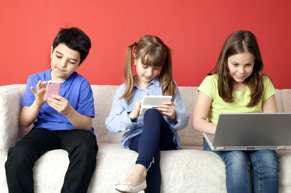 Las plataformas digitales en la niñez: derechos y riesgos en la era de la información