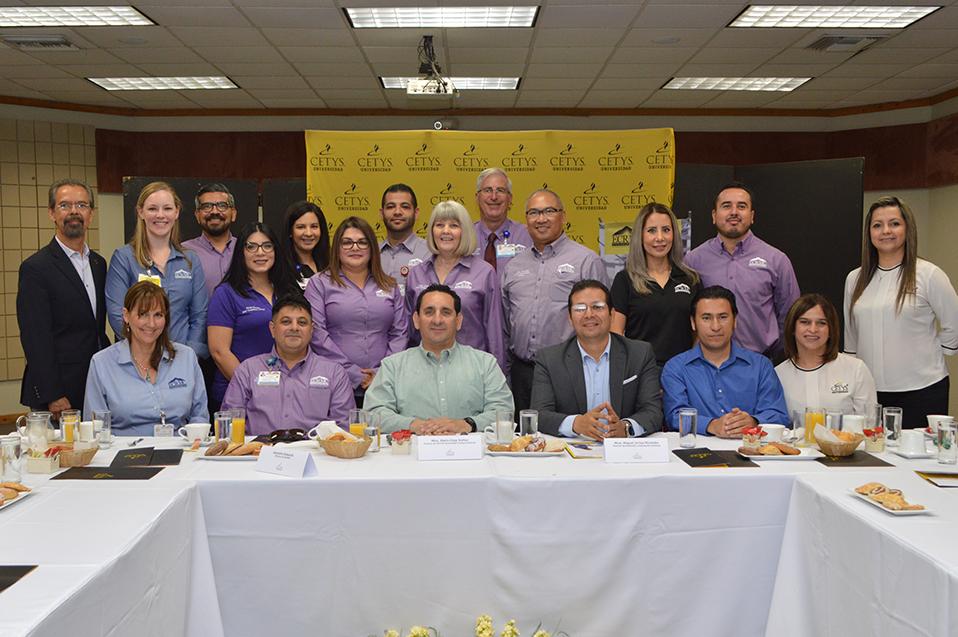 Capacitarán a enfermeros mexicanos para ejercer en California: CETYS Universidad y El Centro Regional Medical Center