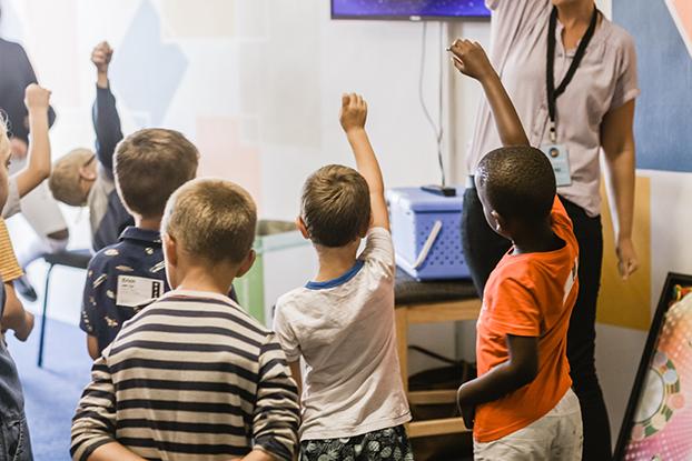 ¿Por qué los niños deben aprender un segundo idioma?