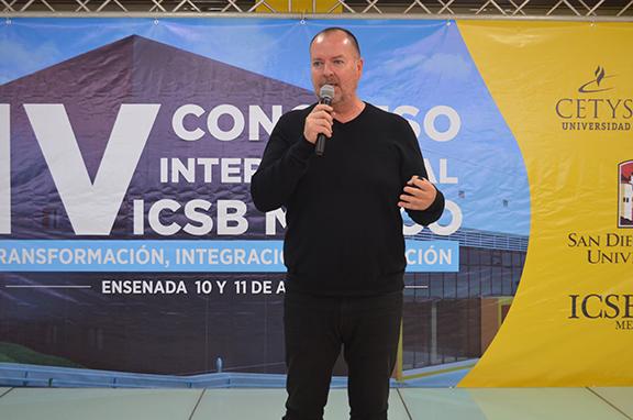 Vivir en la frontera facilita el emprendimiento, Congreso ICSB