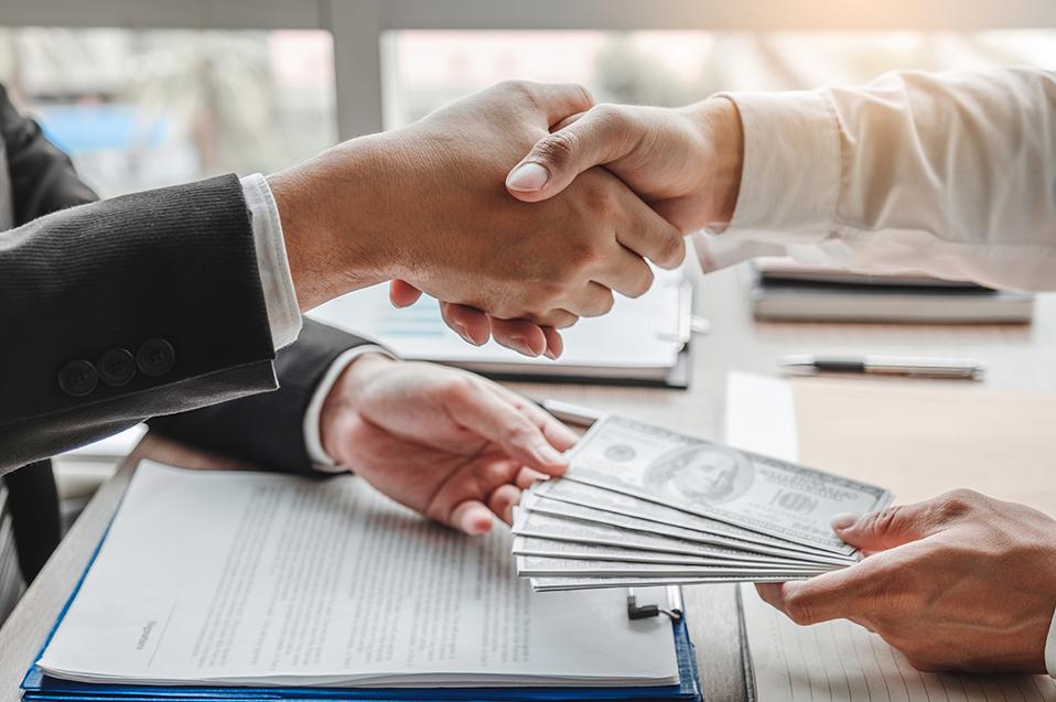Responsabilidad de las empresas implementar prácticas contra el soborno