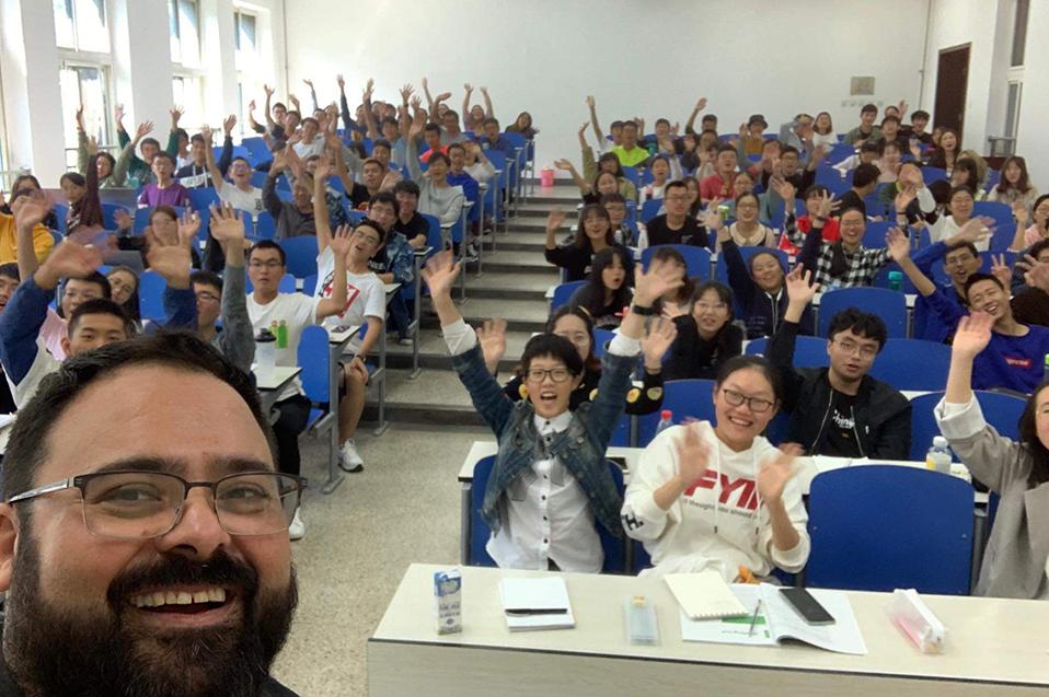 Armando Esponda: el mexicano que enseña español en China