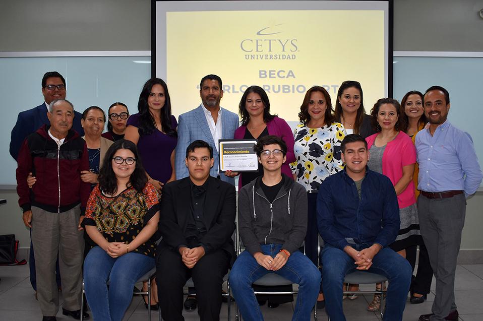 """Nueva generación CETYS recibe beca """"Carlos Rubio Ortiz"""""""