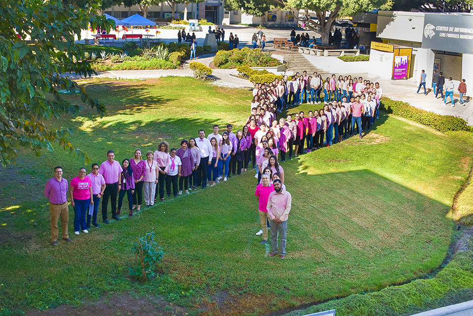 CETYS se viste de rosa y promueve hábitos de vida saludable