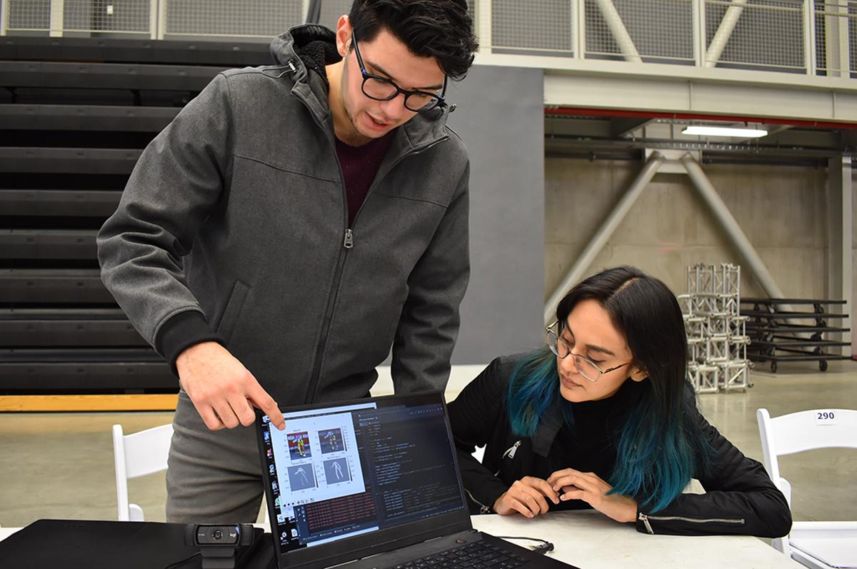 Fundamental desarrollo de Inteligencia Artificial y certificación de estudiantes en universidades